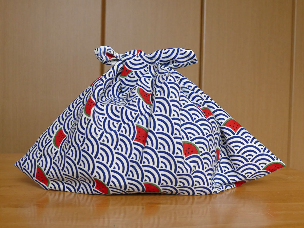 てぬぐいで作る定番といえば、<br>あずま袋