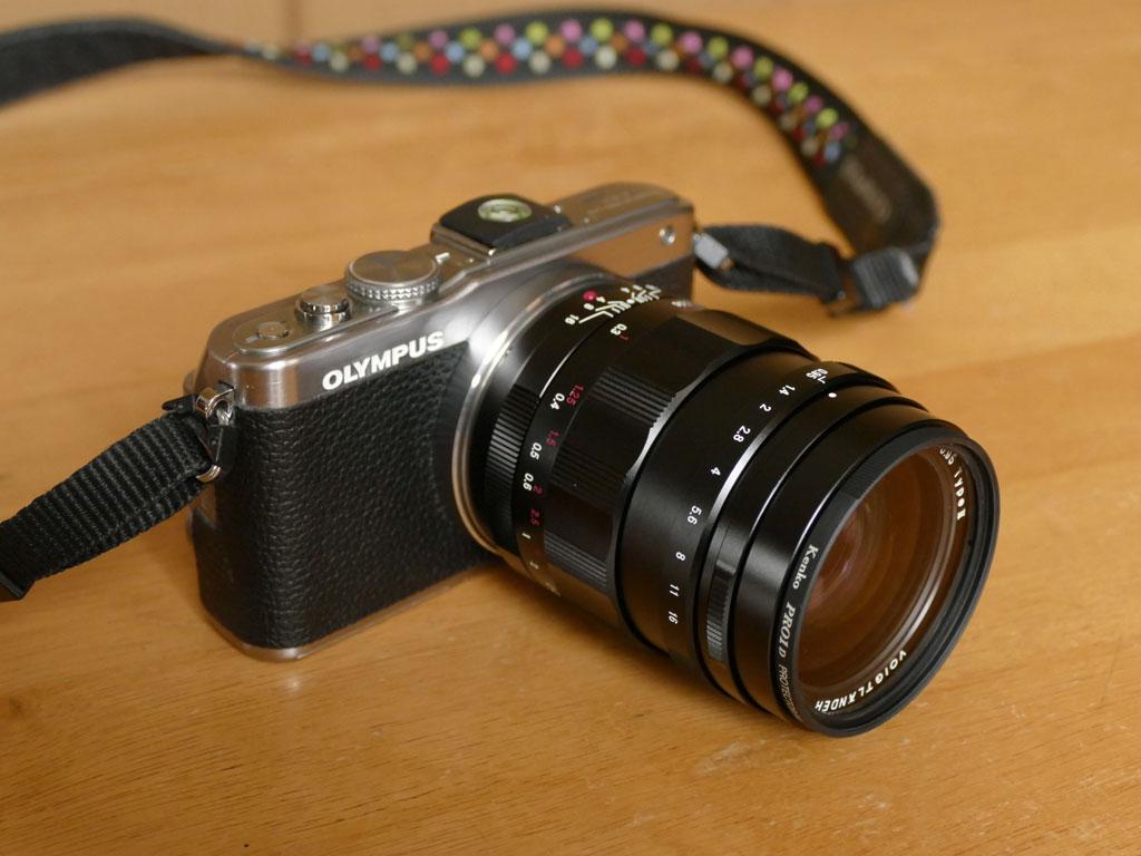 初めてのマニュアルレンズ<br>NOKTON 25mm F0.95 TypeII