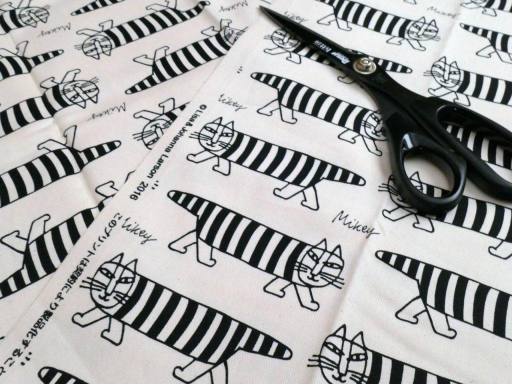 リサ・ラーソンのカットクロスで文鳥刺繍入りトートバッグ1