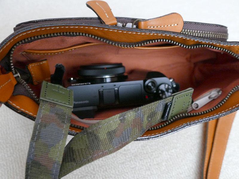 カメラが入るお財布ポシェット9