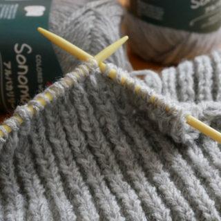イギリスゴム編みでもういっちょ!<br>毛糸3玉120gのマフラー