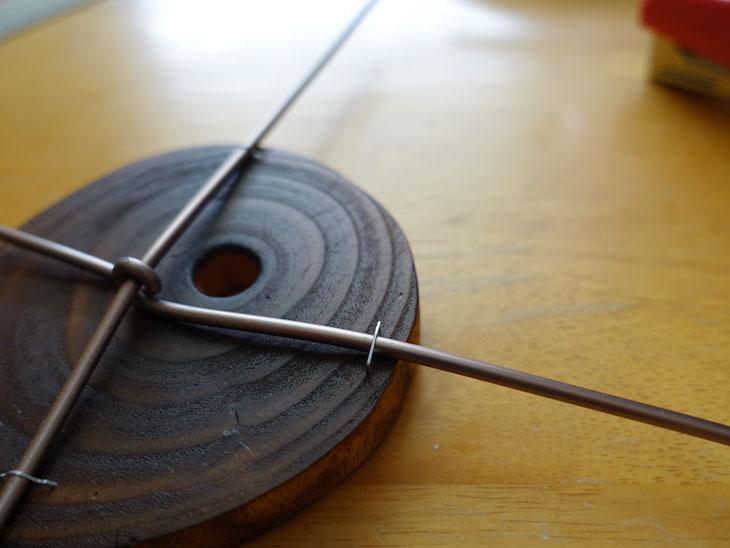 穴あき丸太の輪切りコースターで作るミニチュアテーブル6