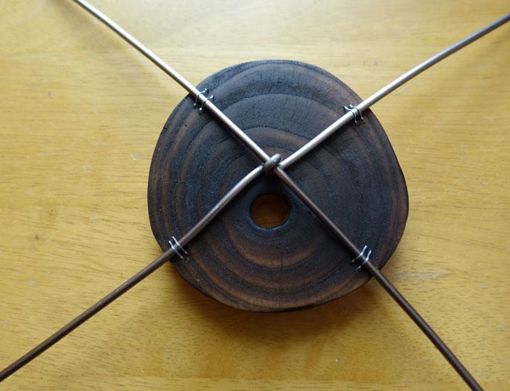 穴あき丸太の輪切りコースターで作るミニチュアテーブル7