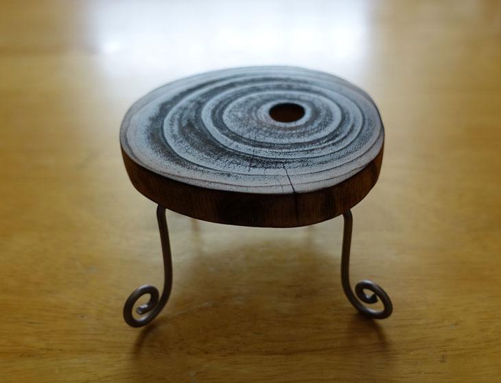 穴あき丸太の輪切りコースターで作るミニチュアテーブル8