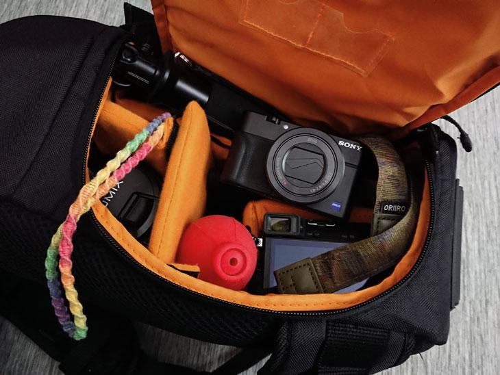amazonベーシック スリングカメラバッグ3